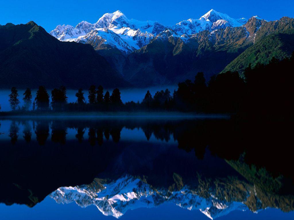 http://home.deds.nl/~rolandvb/blue2/L_Matheson_N_Zland.jpg